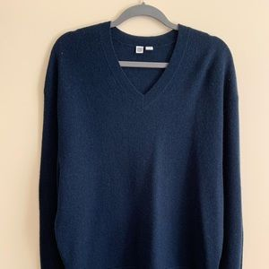 Uniqlo navy wool men's XL sweater